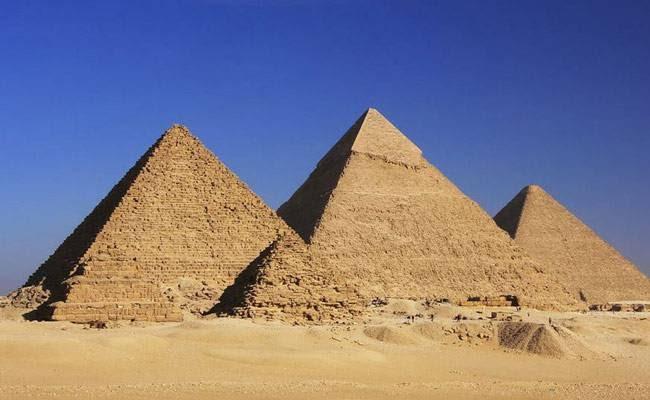 आखिर क्यों है ग्रेट गीजा पिरामिड दुनिया का पहला अजूबा